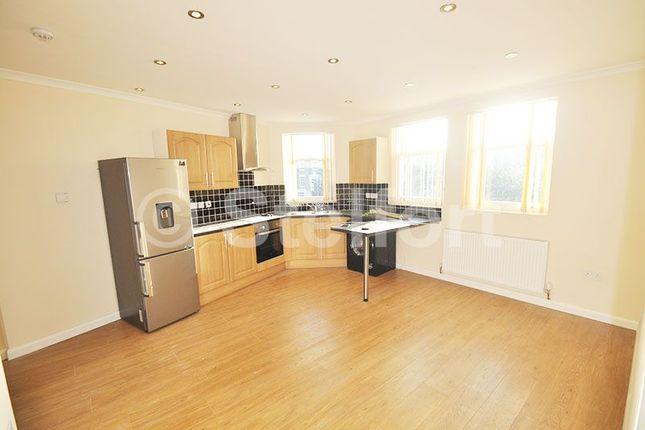 Thumbnail Flat to rent in Warrender Road, London
