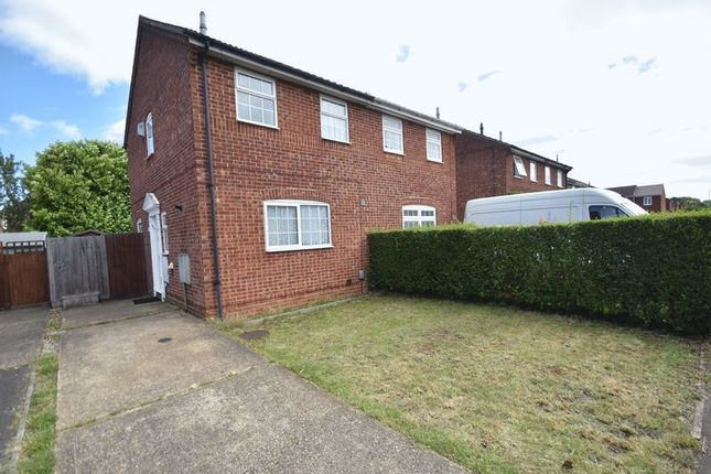 2 bed semi-detached house to rent in Peregrine Road, Luton LU4