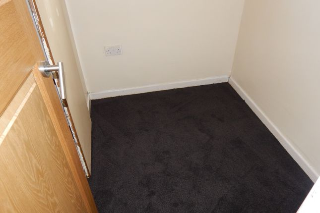 Bedroom of West Park Road, Batley WF17