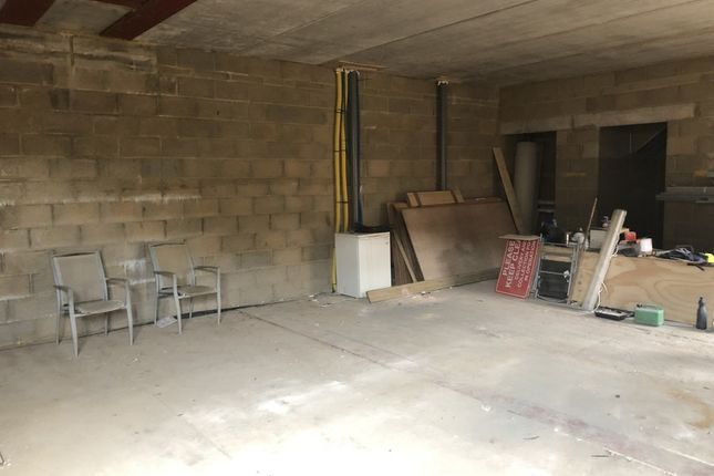 Thumbnail Commercial property for sale in Philip Lane, London