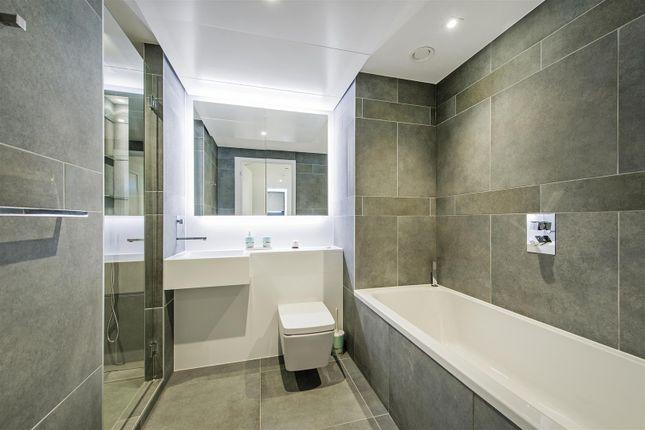 Bathroom of 3 Dollar Bay Place, Canary Wharf E14
