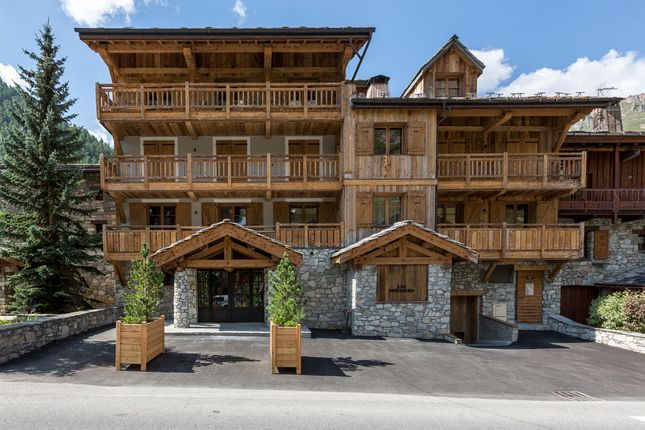 3 bed apartment for sale in Avenue Du Prariond, Val D'isere, Rhône-Alpes, France