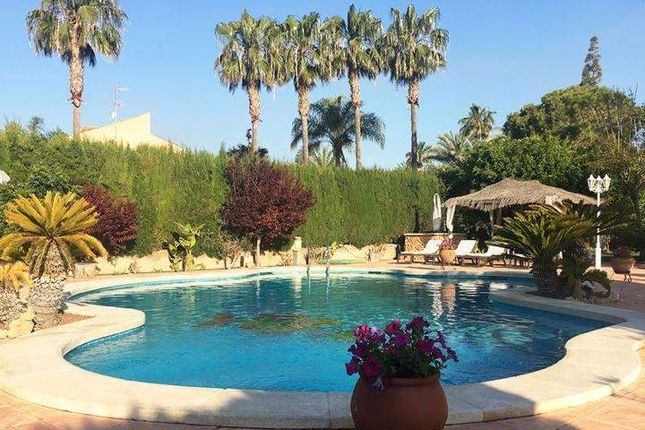 Thumbnail Chalet for sale in Elche, Alicante, Spain