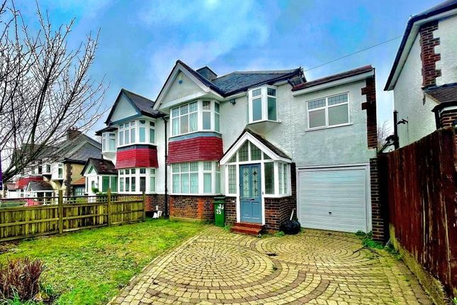 4 bed flat to rent in Hill Crest Road, Bromley BR6
