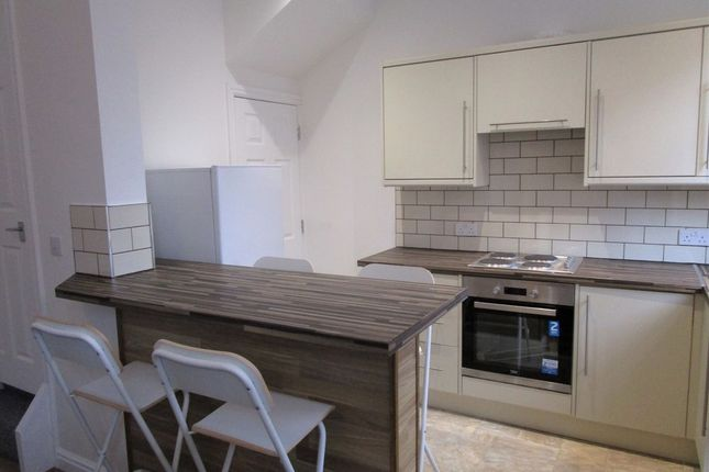 Thumbnail Property to rent in Cedar Place, Armley, Leeds