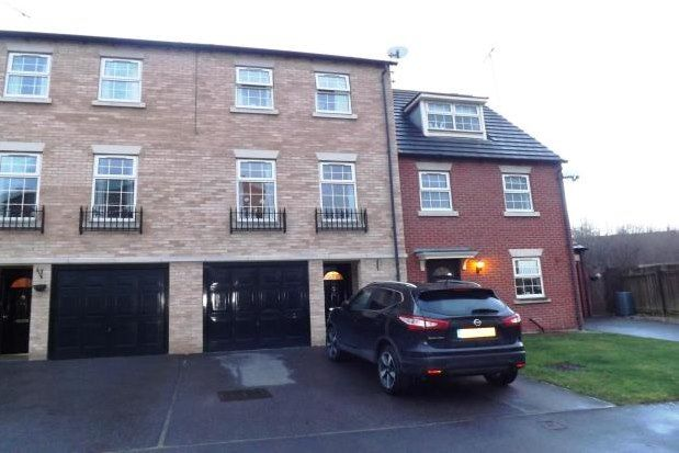 Thumbnail Town house to rent in Catcliffe, Rotherham