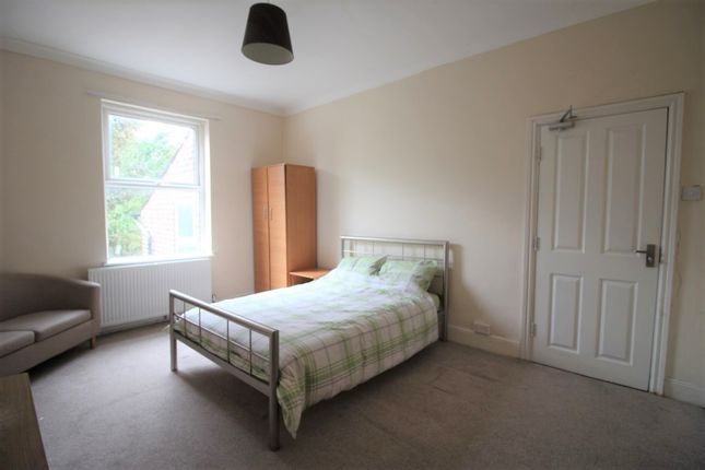 Thumbnail Room to rent in Hicks Road, Seaforth, Liverpool