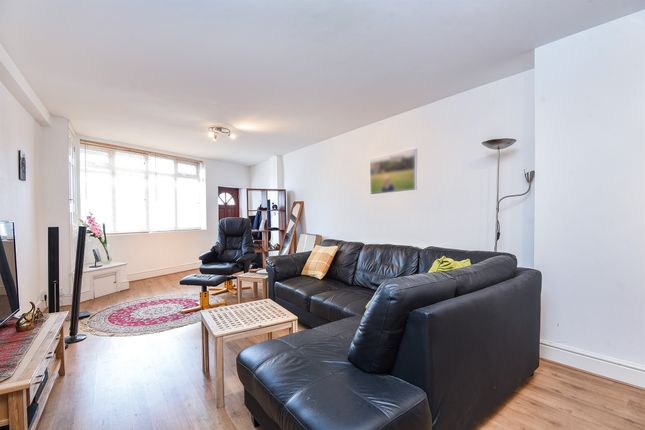 Thumbnail Terraced house for sale in Cromwell Road, Muswell Hill, London