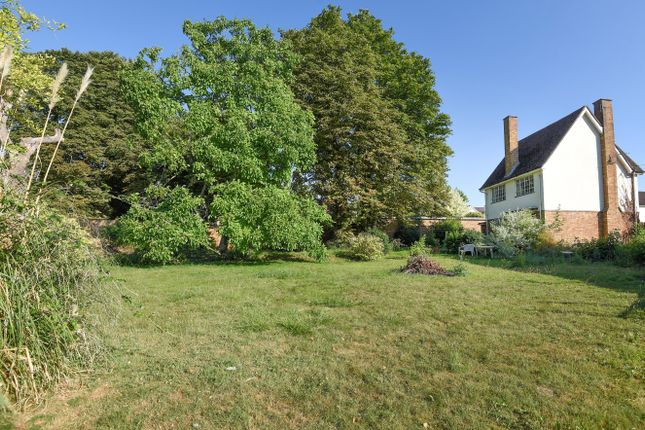 Thumbnail Detached house for sale in Fairway, Princes Risborough