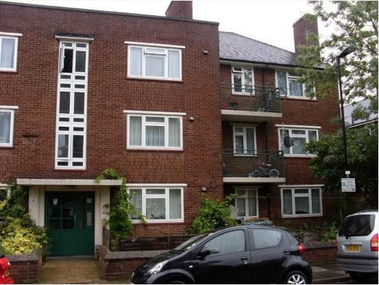 Thumbnail Flat for sale in Trafalgar Avenue, Tottenham