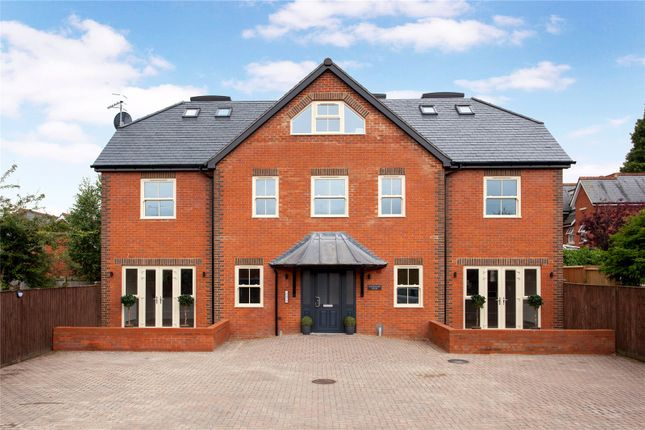 Thumbnail Flat for sale in Quebec Road, Henley-On-Thames, Oxfordshire