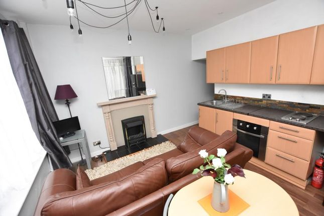 Thumbnail Flat to rent in Wallace Road, Selly Park, Birmingham