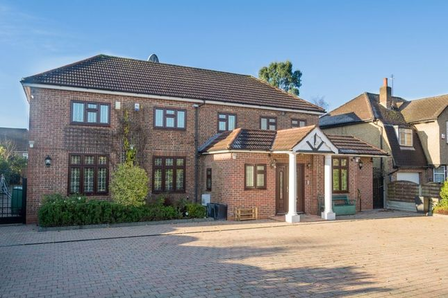 Thumbnail Property to rent in The Greenway, Uxbridge, Middlesex