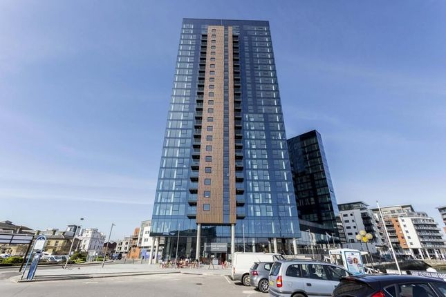 Thumbnail Flat to rent in Admirals Quay, Ocean Village, Southampton