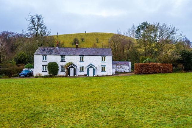 Thumbnail Cottage for sale in White Coppice, Heapey, Chorley