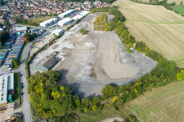 Thumbnail Commercial property to let in Main Road, Renishaw, Sheffield