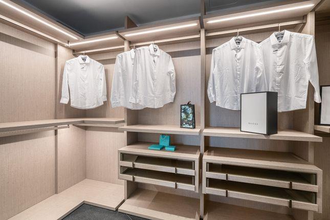 Designer Walk0In Wardrobe - Apt 1601 - Porsche Design Tower Miami