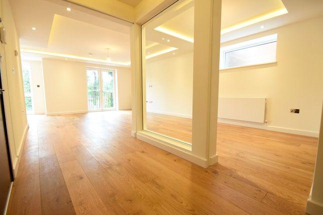 Thumbnail Flat to rent in Parson Street, Hendon, London