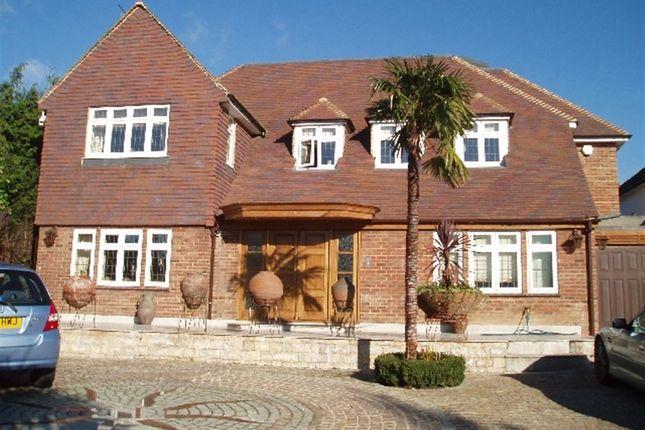 Thumbnail Flat to rent in Hadley Wood, Barnet, Hertfordshire