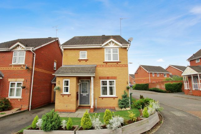 Thumbnail Detached house to rent in Marchwood Close, Redditch
