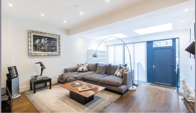 Thumbnail Town house to rent in Goldhawk Road, London