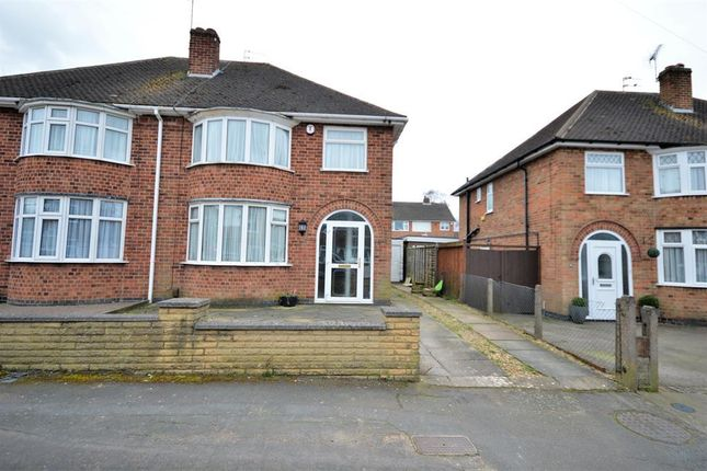 3 bed semi-detached house to rent in Farleigh Avenue, Wigston LE18