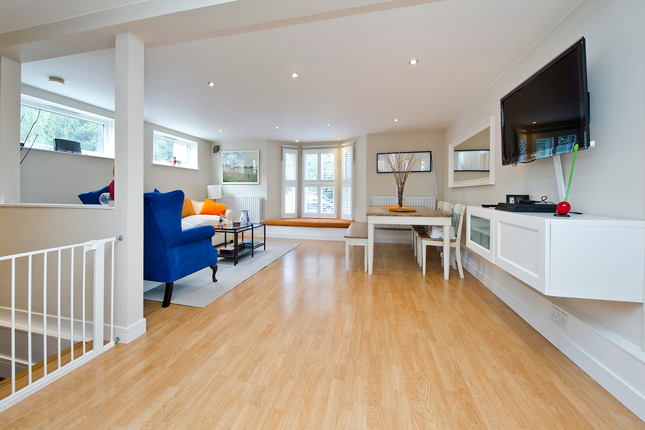 2 bed duplex for sale in Gap Road, London