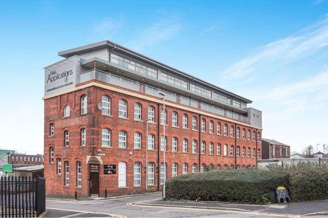 Thumbnail Flat to rent in Hall Street, Oldham