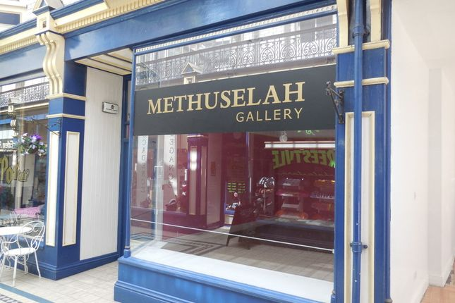 Retail premises to let in High Street, Newport