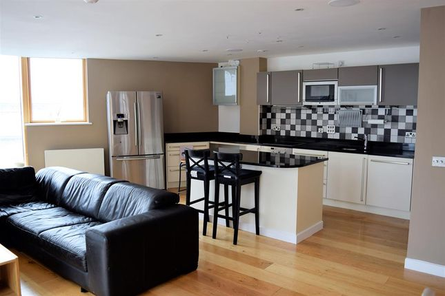 Thumbnail Flat to rent in Watermans Place, 3 Wharf Approach, Leeds