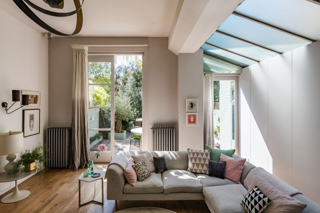 Thumbnail Terraced house for sale in Park Avenue South, London