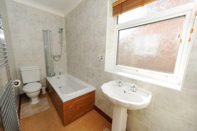 Bathroom of Langer Lane, Chesterfield S40