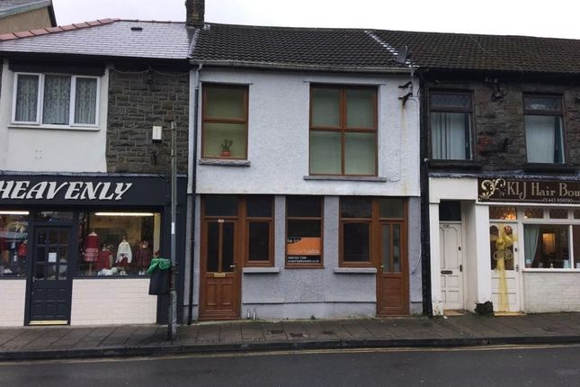 Thumbnail Flat to rent in Pentre -, Pentre