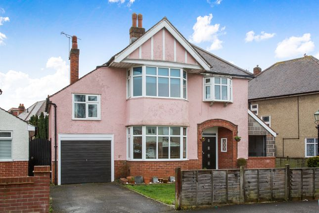 Thumbnail Detached house for sale in Radway Road, Upper Shirley, Southampton