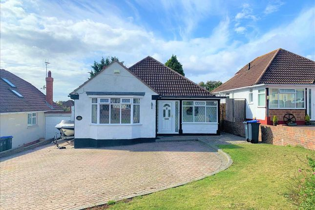 2 bed bungalow to rent in Hayling Rise, Worthing BN13