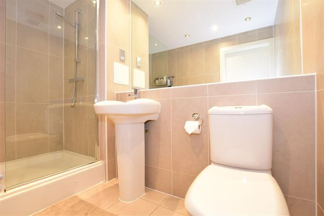 Bathroom of Brighton Road, Purley, Surrey CR8
