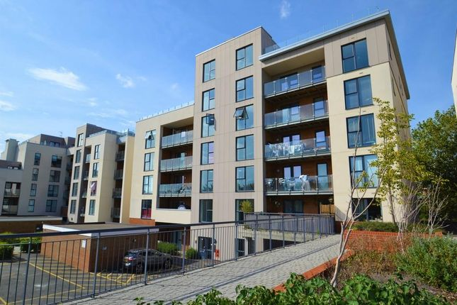 1 bed flat for sale in Manor Way, Borehamwood WD6