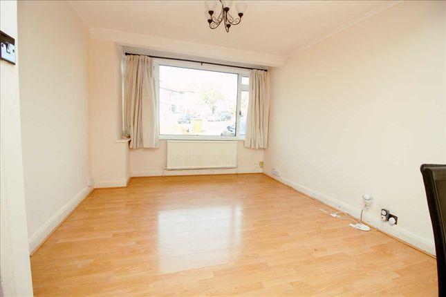 Living Room of Dale Avenue, Edgware HA8