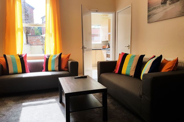 Thumbnail Terraced house to rent in Castle Boulevard, Nottingham