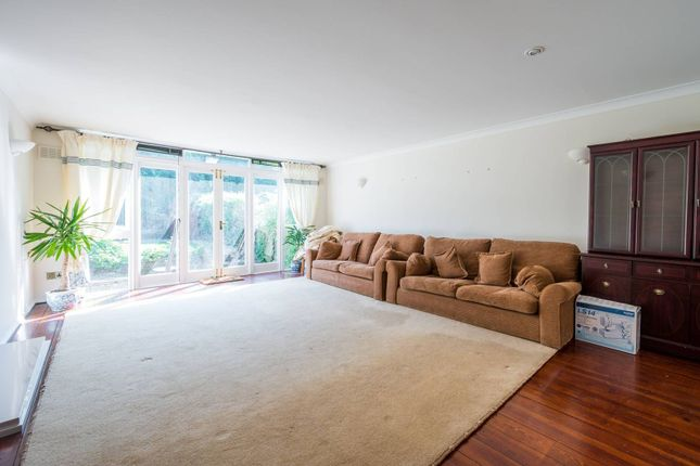 Thumbnail Terraced house to rent in Eaton Mews, Bow, London