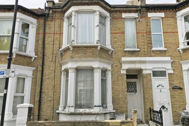 1 bed flat for sale in Wesley Road, Southend-On-Sea, Essex