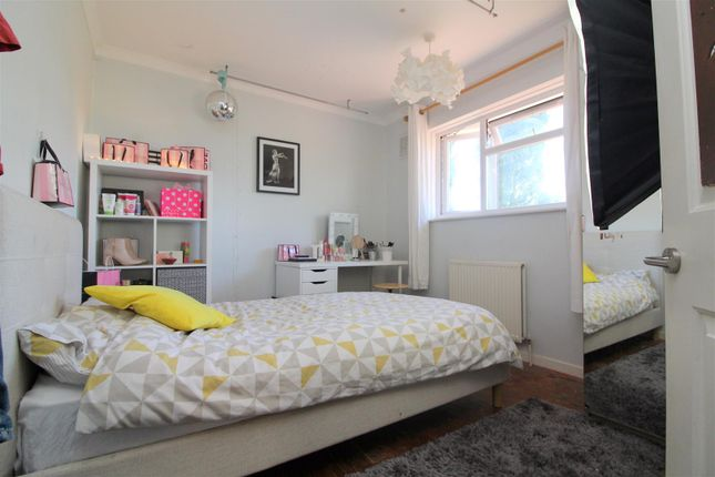 Bedroom 3 of Shooting Field, Steyning BN44