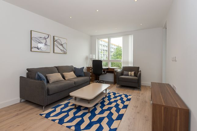 Thumbnail Flat to rent in Smithfiled Square, Hornsey
