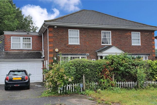 Thumbnail Detached house for sale in Grantham Close, Edgware