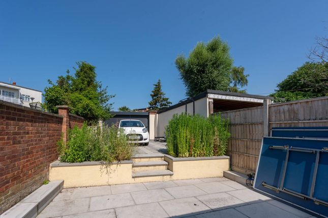Thumbnail Flat to rent in East Acton, East Acton, London