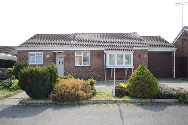 Thumbnail Bungalow to rent in Caraway Road, Earley, Reading