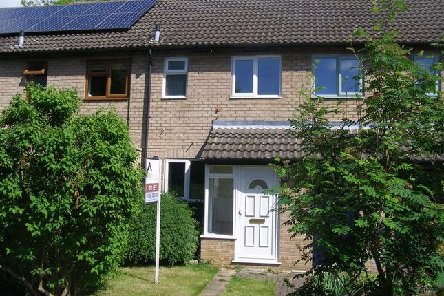 2 bed terraced house to rent in Dovehouse Close, Eynsham, Witney