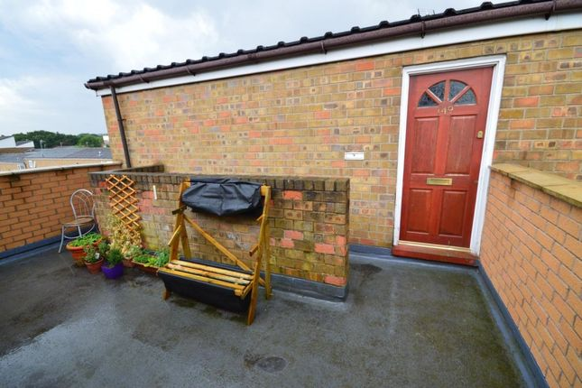 Thumbnail Flat to rent in Inglewhite, Skelmersdale