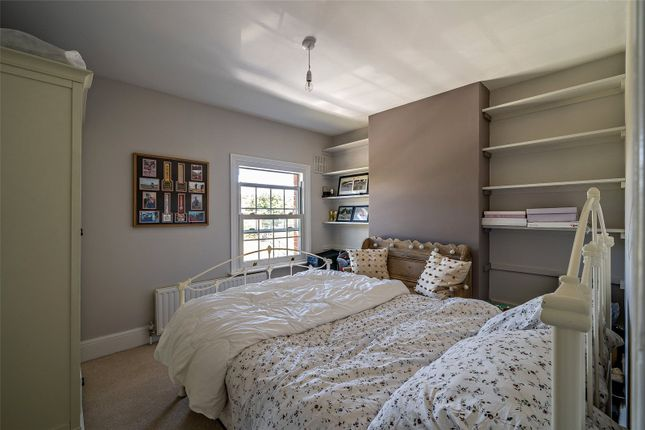 Guest Bedroom of Greys Road, Henley-On-Thames, Oxfordshire RG9