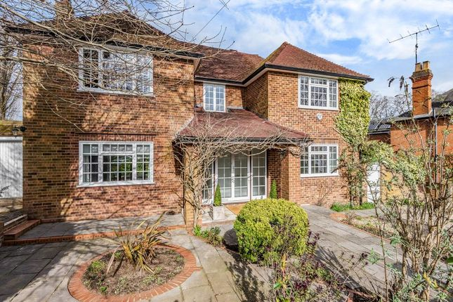 Thumbnail Detached house to rent in Middle Hill, Egham